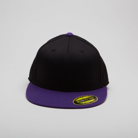 Yupoong Flexfit Fitted Black/Purple