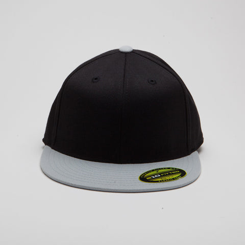 Yupoong Flexfit Fitted Black/Grey