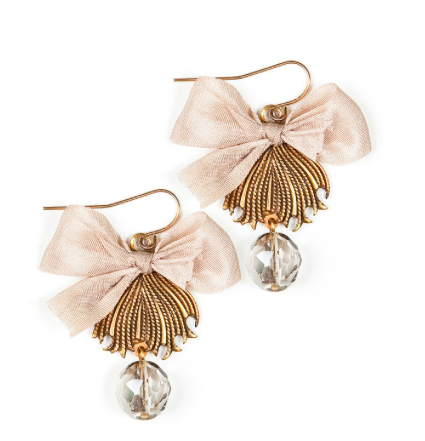 Antique Cream Earrings