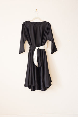 Lilly Wrap - Black/White - PROJECT 6, modest fashion