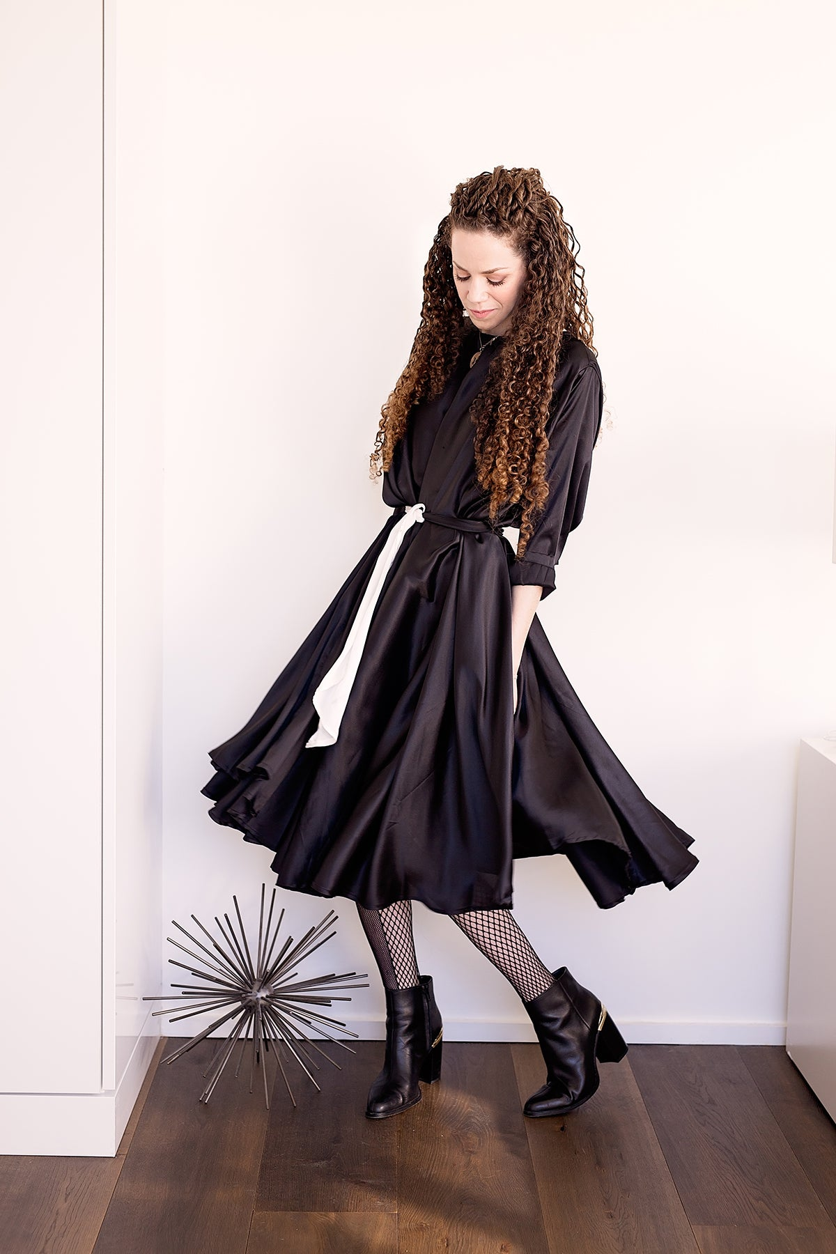 Shunka - Black Shine - PROJECT 6, modest fashion