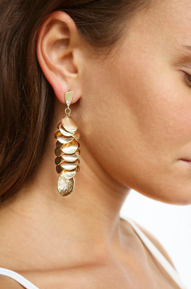 Shell Cluster Earrings in Gold