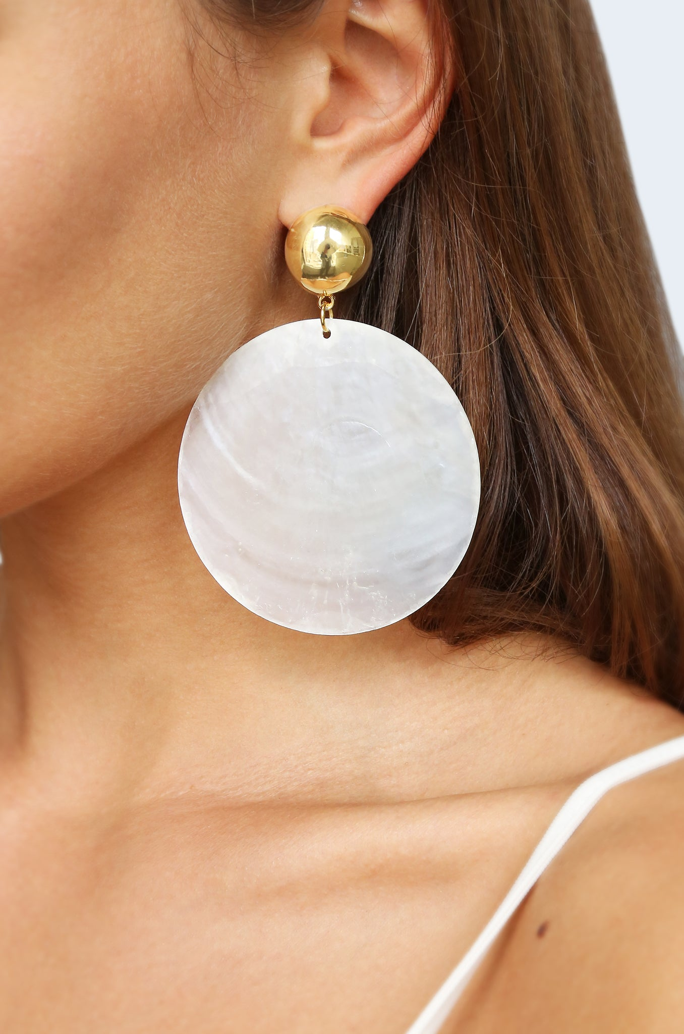 Beach Queen Large White Shell & 18kt Gold Plated Earrings