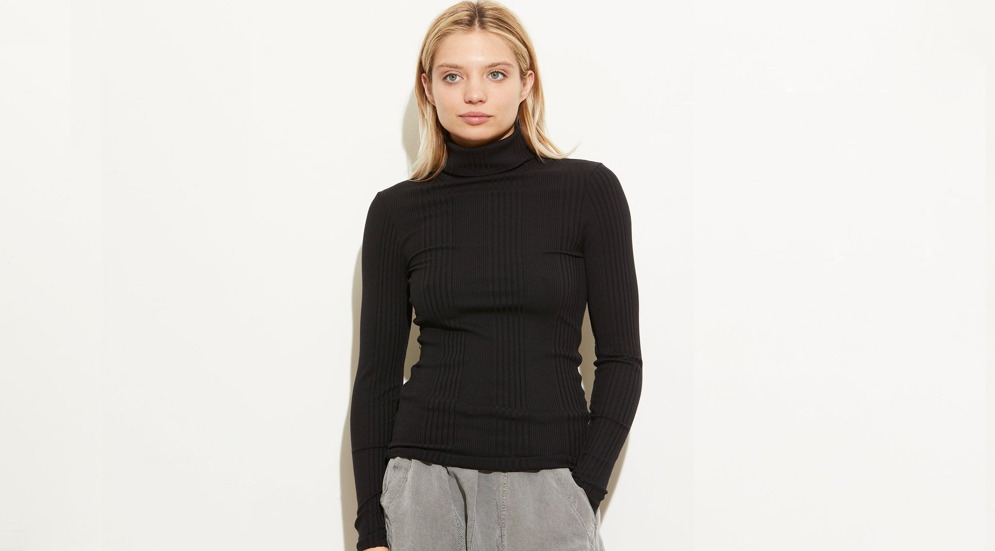 Jaqui Turtleneck Top