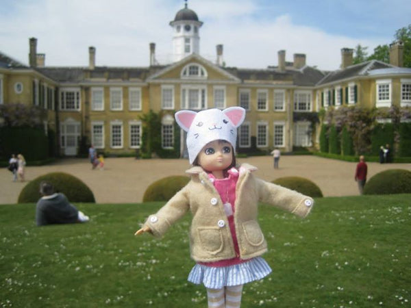 Where's Lottie? Visiting a historic house in Polesden Lacey, England, UK