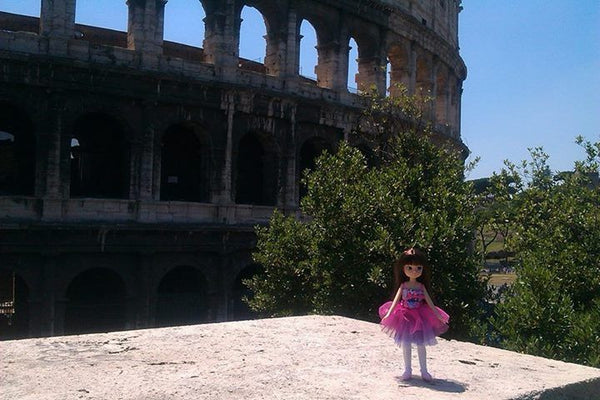 Where's Lottie? Visiting the Colosseum in Rome, Italy