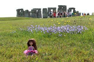 Where's Lottie? Visiting the prehistoric site of Stonehenge in the UK