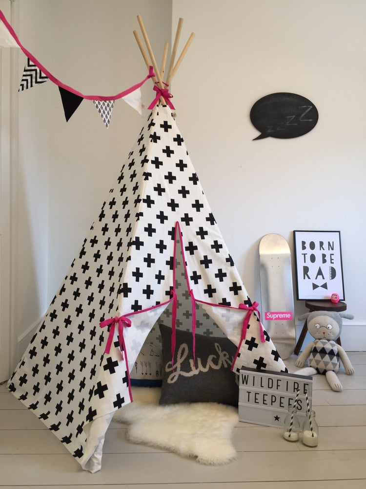 Original Wildfire Teepee Cross Print Pink Trim open MyBabyEdit