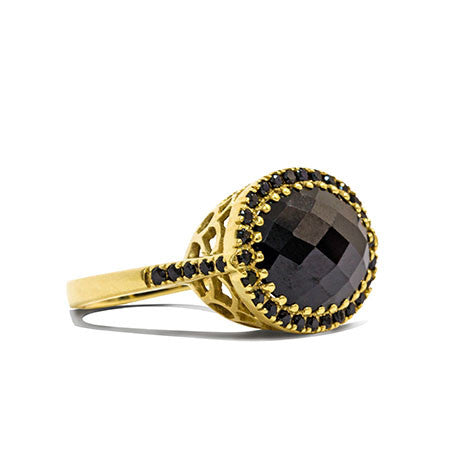 Black Onyx and Gold Vintage Ring