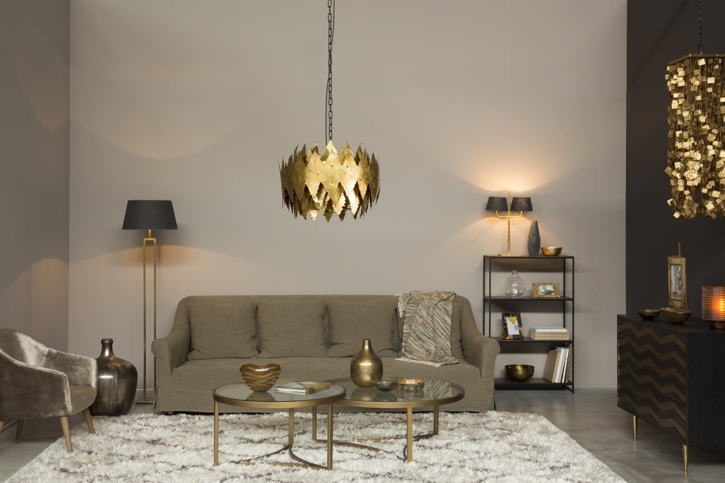 Sophisticated Theme From Flamant Usa
