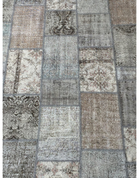 "Patchwork Rug - 107 (6ft 6.74"" x 9ft 10.11"")"