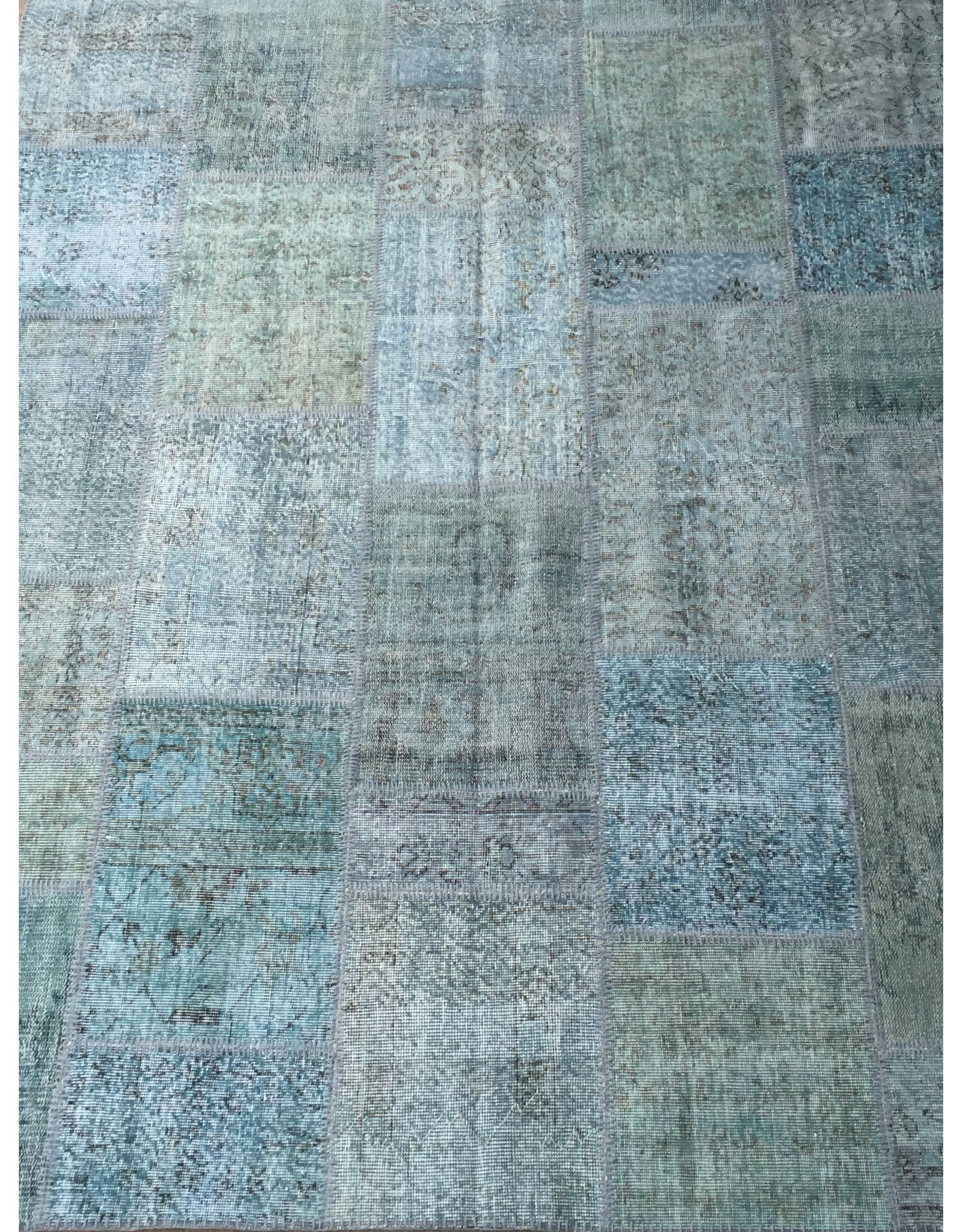 "Patchwork Rug - 108 (6ft 6.74"" x 9ft 10.11"")"