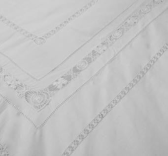 Bedset Broidery Button 260X240