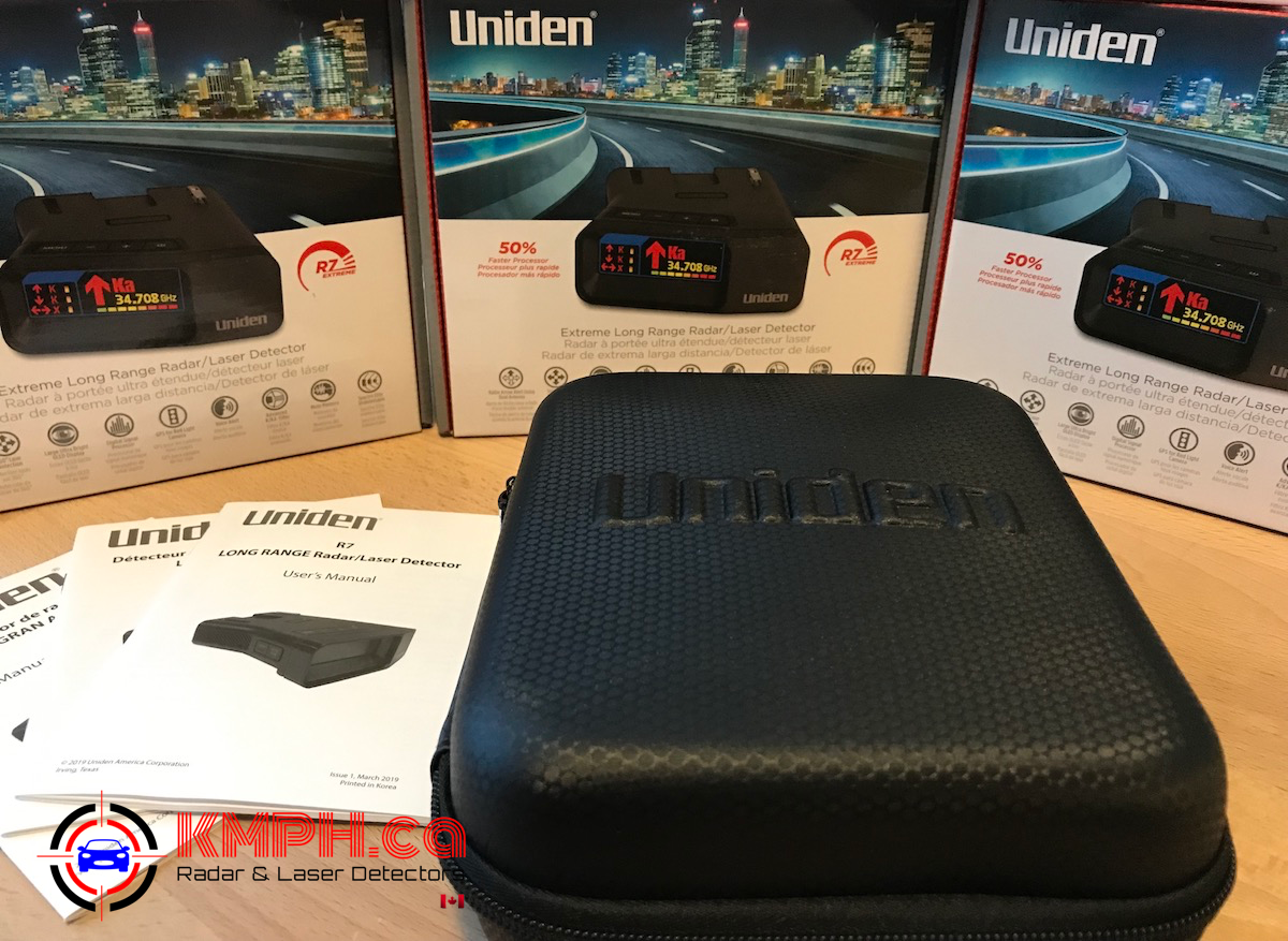 Uniden R7 radar detector comes with a carrying case
