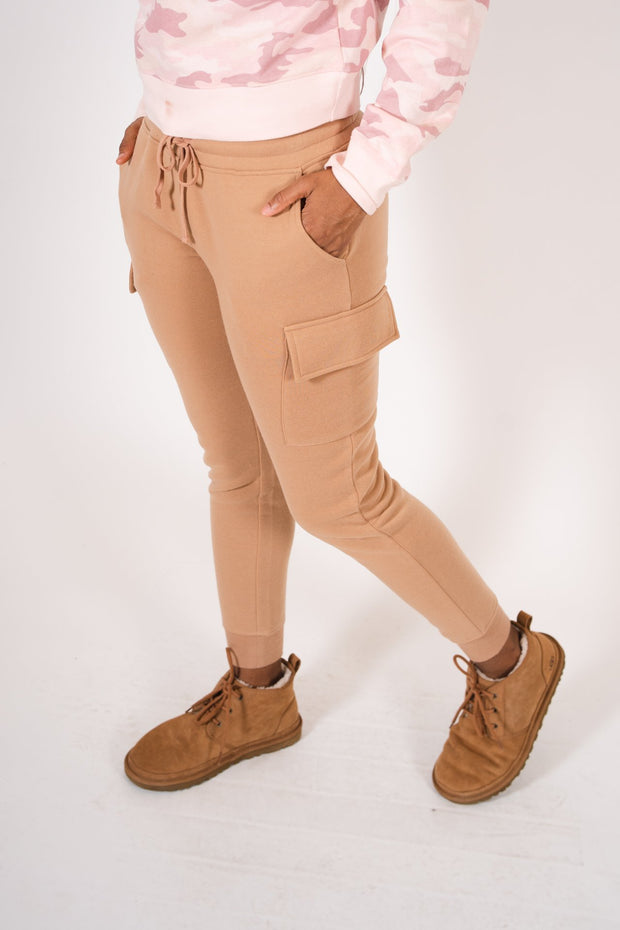 Women's Camel Fleece Cargo Jogger