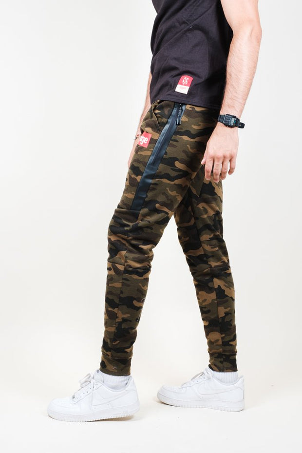 Men's Camo Savage Fleece Jogger Pants
