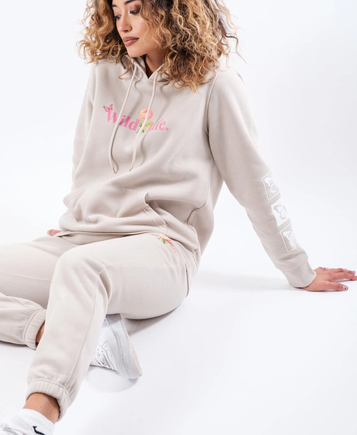 WOMEN'S SAND WILD LIFE FLEECE SWEATPANTS