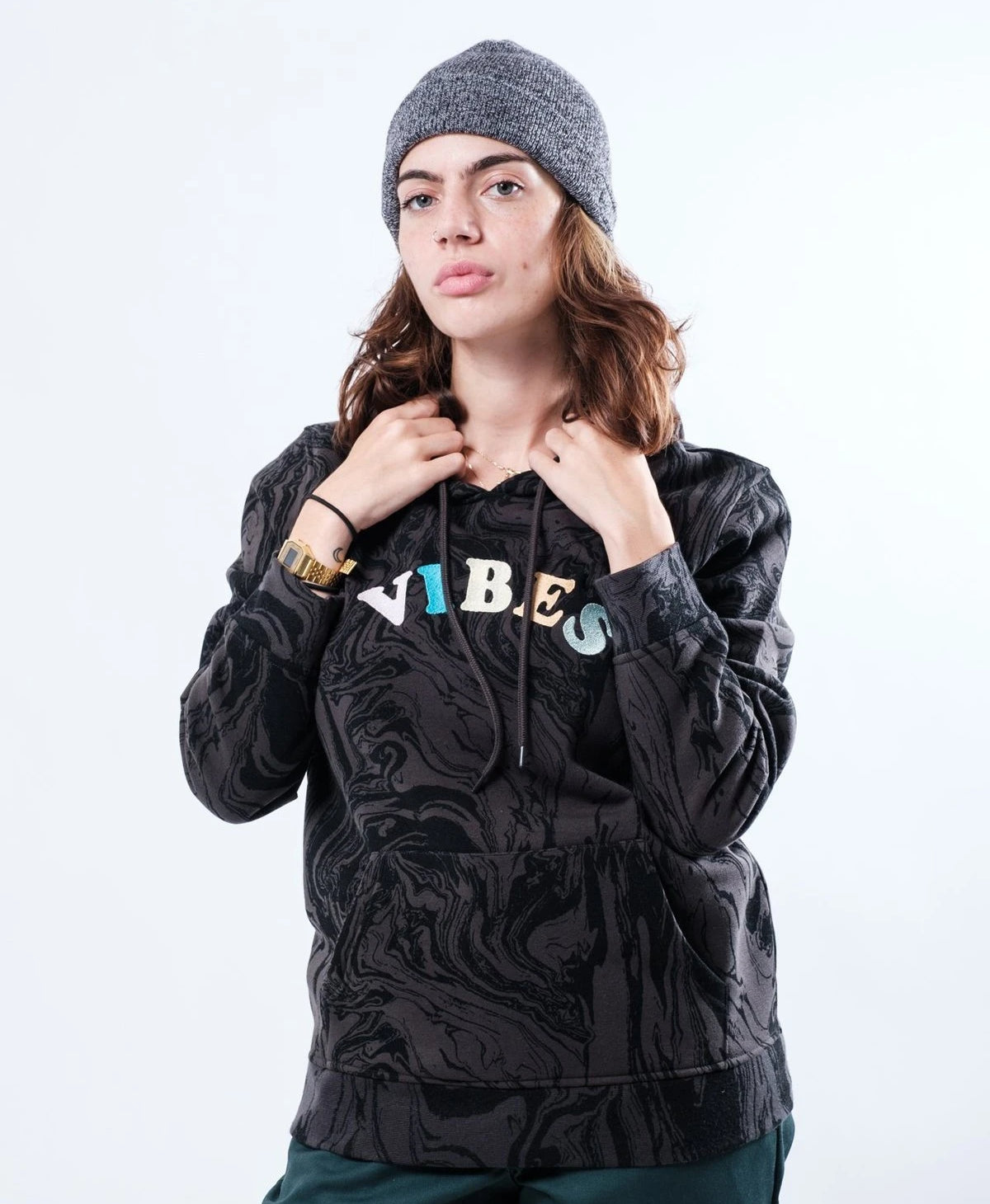 WOMEN'S DUSTY BLACK OIL SLICK VIBES EMBROIDERED HOODIE