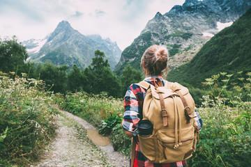 8 Amazing Health Benefits of Walking and Hiking