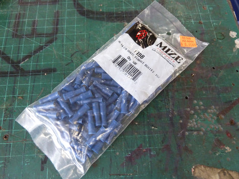 Bag of 100 16-14 AWG Vinyl Female Blue Bullet Connector