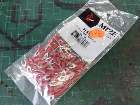 Bag of 100 22-16 AWG Red Vinyl #8 Spade Connectors