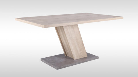 "Dining Table ""Innsbruck"" in Rough Sawn Oak"