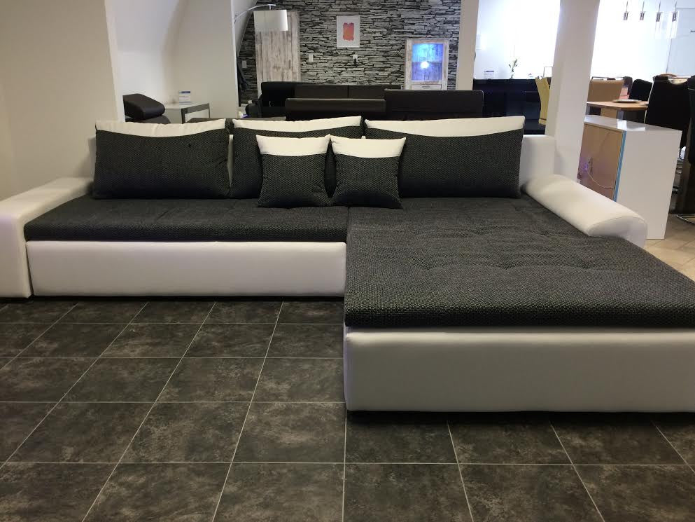 Sectional Quot London Quot In White Pu Leather Black Fabric Josy Furniture