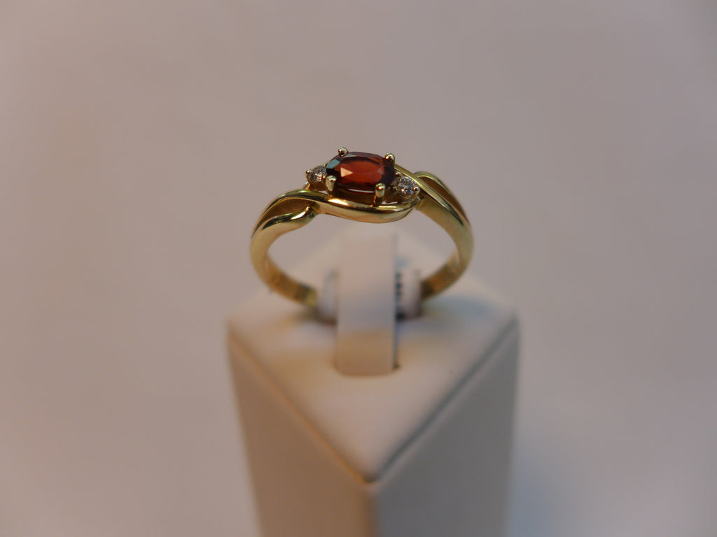 9CT Gold Garnet and Diamond Ring