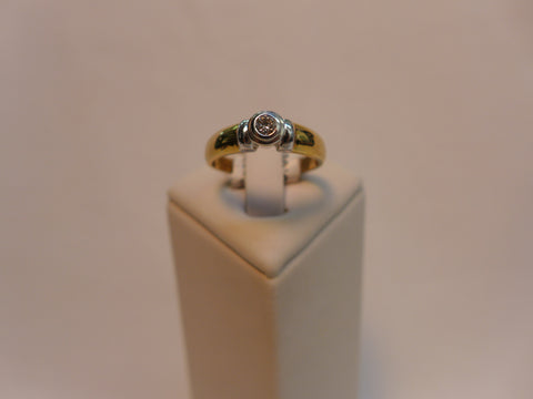 Solitaire Diamond Rub-over 9Ct Gold Ring