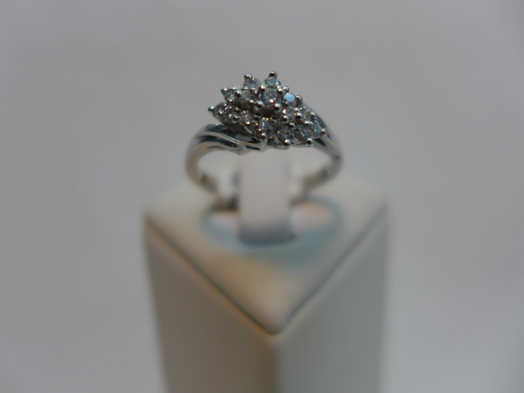 18Ct White Gold Diamond Cluster Claw Set Ring