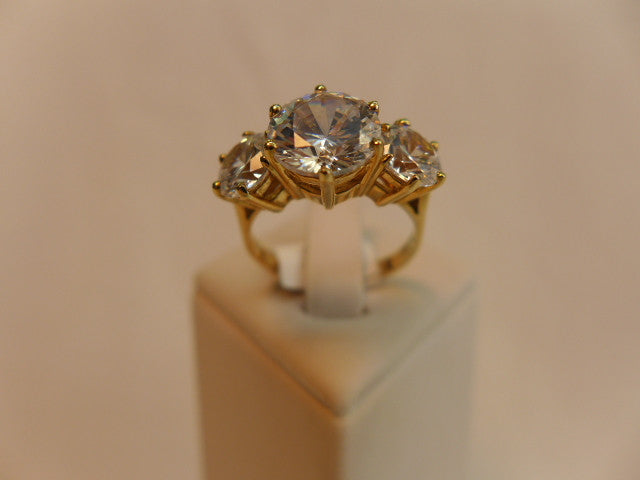 9Ct Gold Brilliant Cut CZ Ring