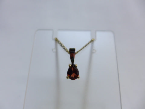 9Ct Gold Garnet Pendant w Chain