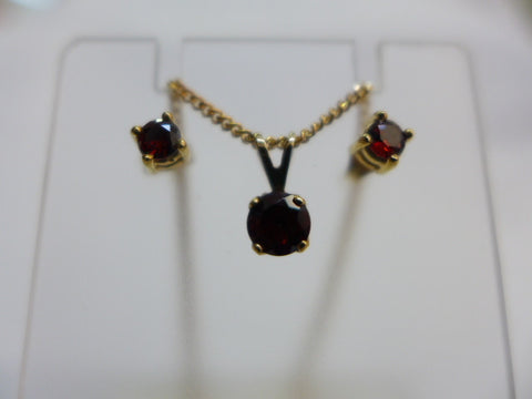 9Ct Gold Garnet Earring & Pendant January Birthstone Set