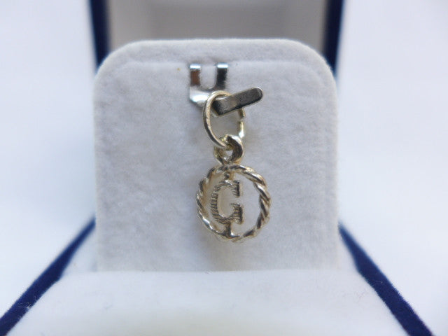 Sterling Silver Small Bold Letter G in Circle Charm