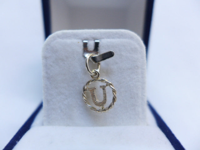 Sterling Silver Small Bold Letter U in Circle Charm