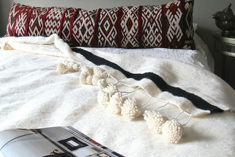 Pom Pom Blanket - White - The Loaded Trunk
