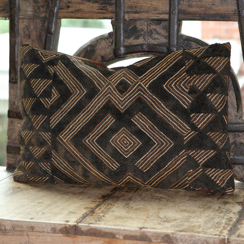 Kuba Pillow - Shoowa Raffia No. 5 - The Loaded Trunk