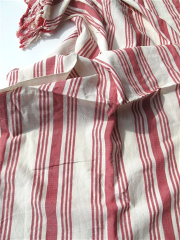 Red & White Linen Wrap - The Loaded Trunk