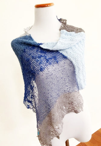 NEW! Lofty poncho, a knit kit