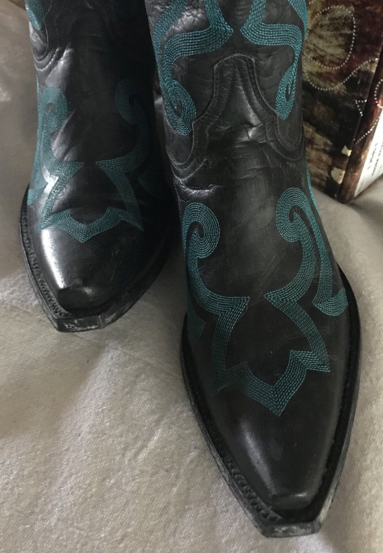 Thora Teal Stritched Boots 8/5 Like New!