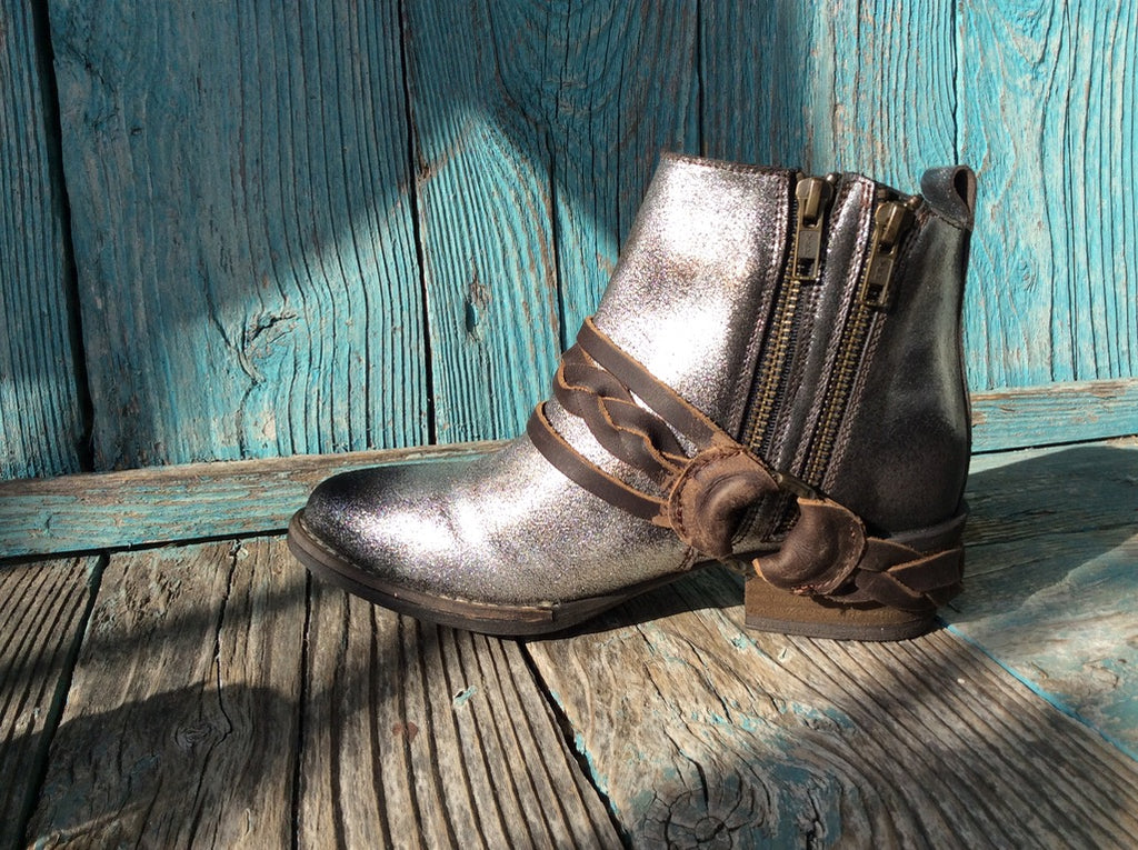Yokel Side Zip Bootie w/ Harness