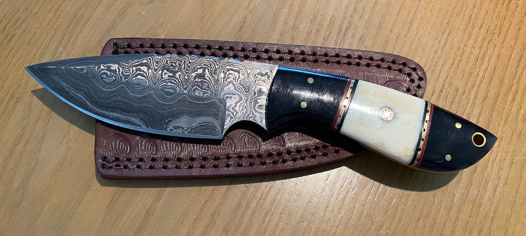 "9"" Damascus Knife Bone and Black Horn with Sheath"
