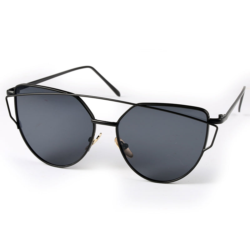 Cat Eye Sunglasses (Black/Black)
