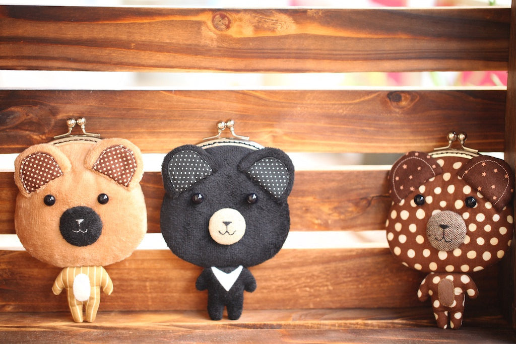 Little mocha brown bear clutch purse