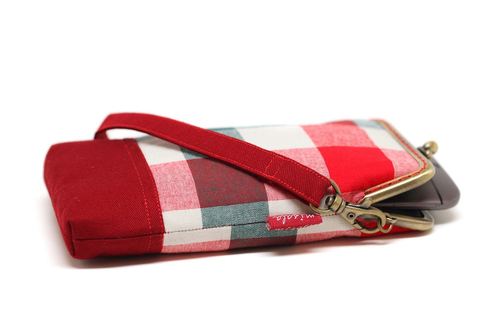 Red plaid smartphone kisslock sleeve