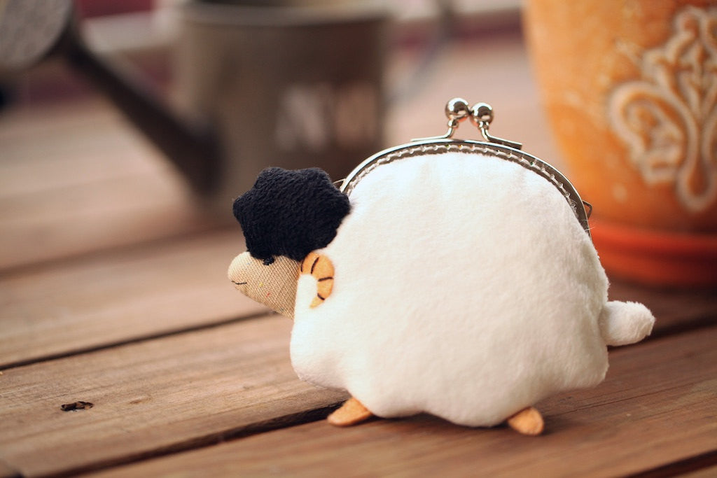 Little white sheep clutch purse