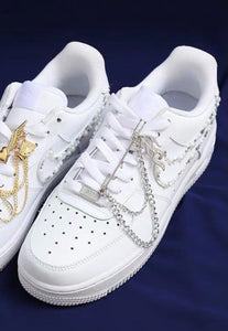 Sneakers Flame Pin