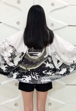 Load image into Gallery viewer, Dragon Print Oversized Kimono