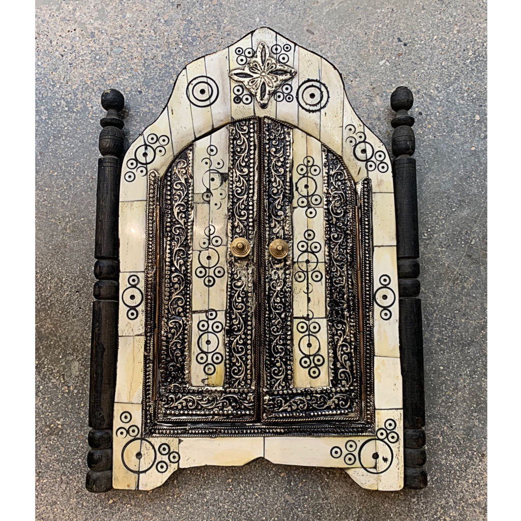 Blanco Temple Door Mirror