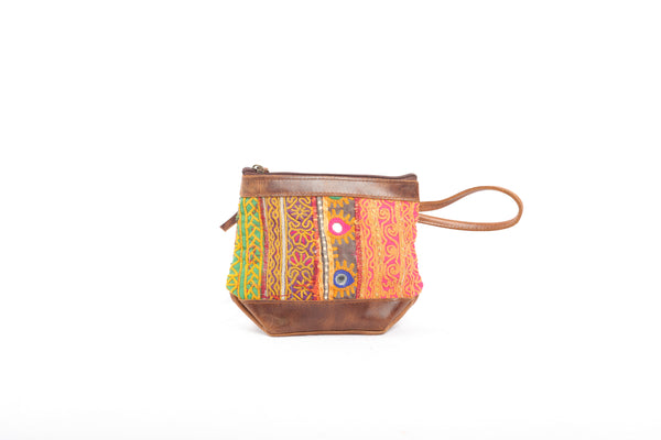 'Aptu' Clutch in Sunrise